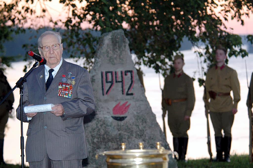 Борис Михайлович ПИДЕМСКИЙ  на открытие памятника, которое состоялось 22 июня 2011 года в 4 часа утра,